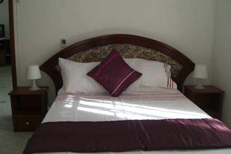 1 Bedroom Apartment - Albion - Leilighet