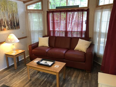 Longfellow Waterview Cabin on Trickey Pond with 3-Season Porch and all Amenities