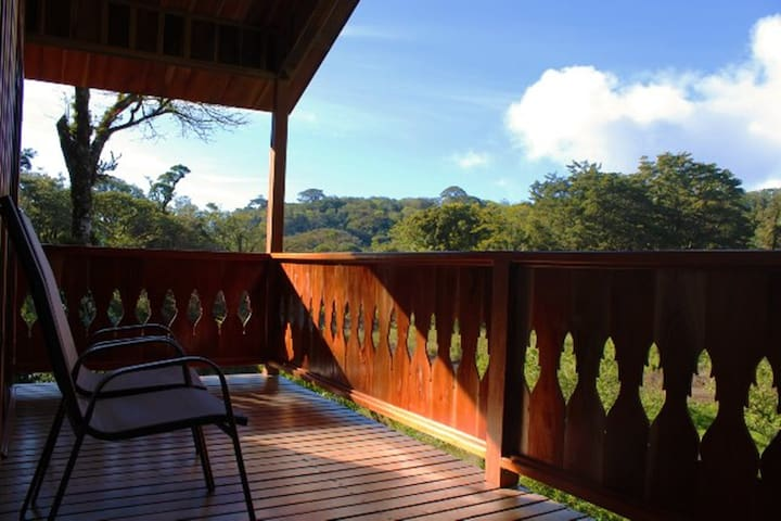 Enjoy The Beauty Of The Cloud Forest - Monteverde - Cabaña