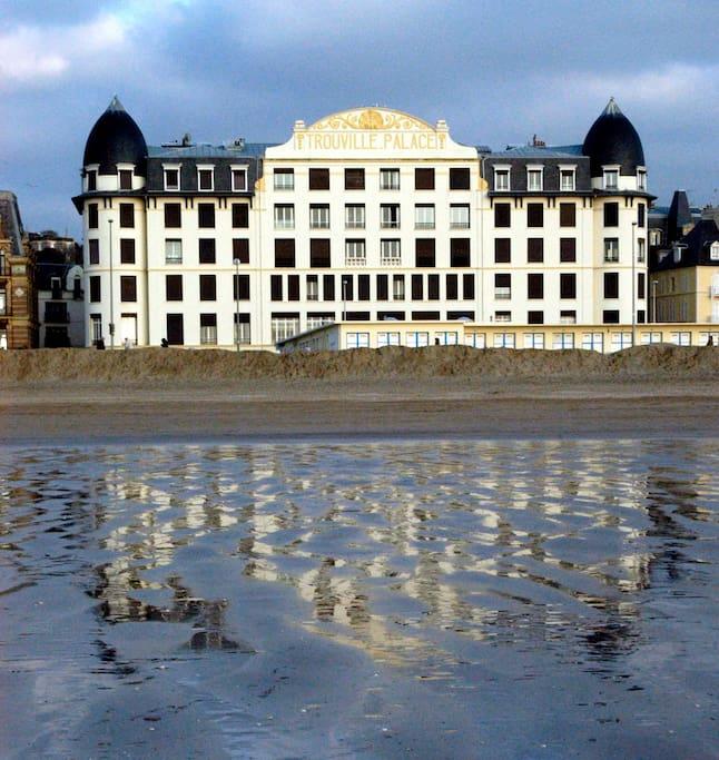 Trouville palace  célèbre hôtel du début de siècle