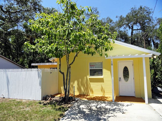 Orange Street Cottage - Tarpon Springs - House