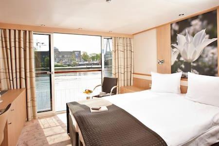 Fair Business Hotelship Düsseldorf  - Neuss - Barca