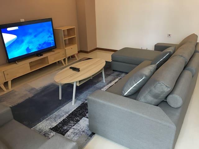客厅里舒服极了的布艺沙发