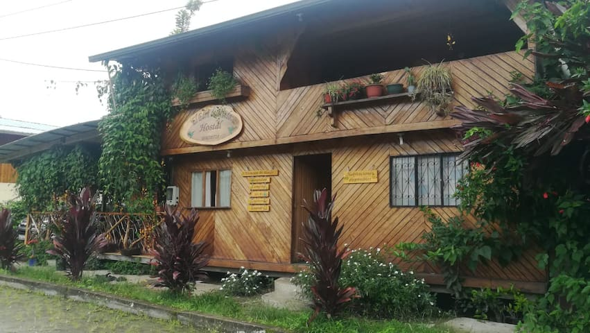 Cozy wooden house in MINDO
