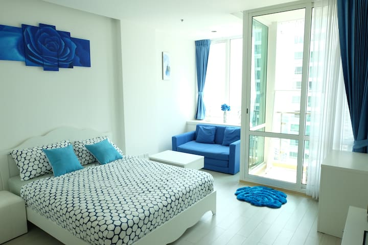 BlueSKY on the high floor /31 FL./WIFI/Pool/Metro - Bangkok - Kondominium