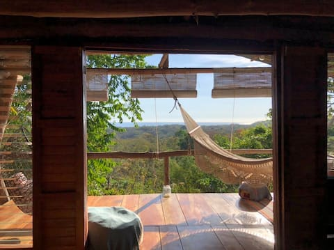 Peaceful Ocean View Treehouse- Digital Detox