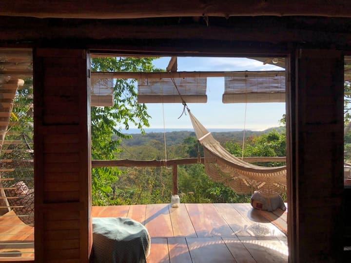 Peaceful Ocean View Treehouse- Digital Detox