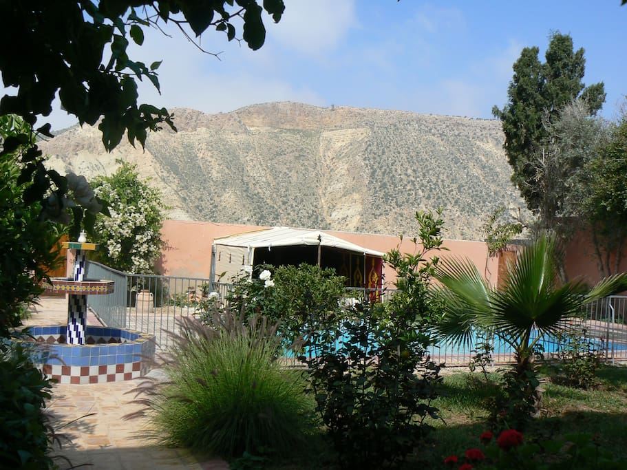 Rez de jardin dans villa houses for rent in awrir souss for Jardin google translate