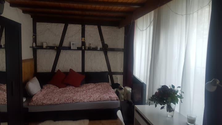 1 Zimmer Apartment. 35 qm, klein und gemütlich.