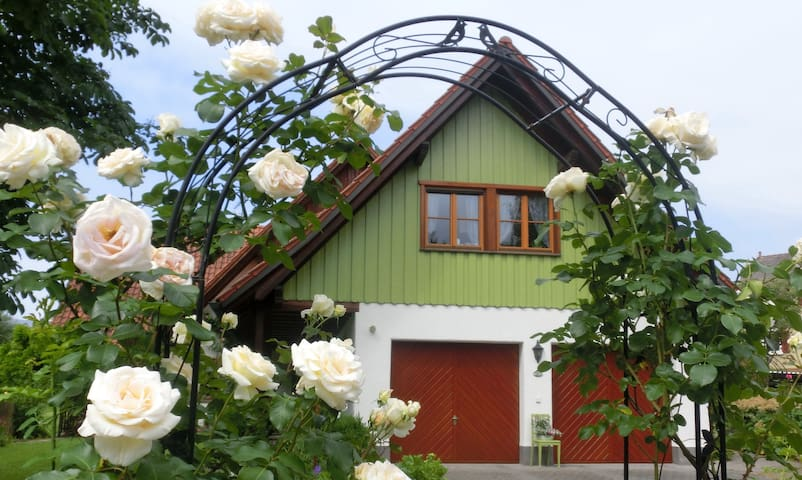 Holiday flat Hahn in Landhaus Kaeß with balcony, Wifi; parking available
