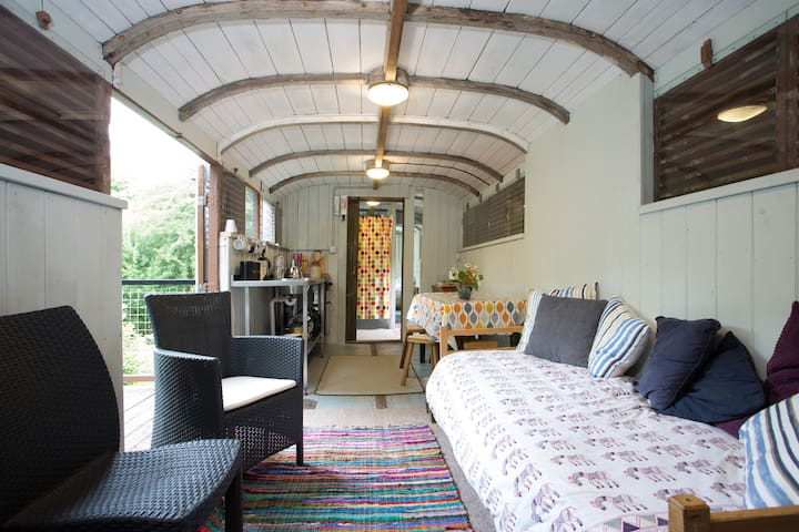 HOLIDAY IN A GWR RAILWAY CARRIAGE! - Saint Austell - Train