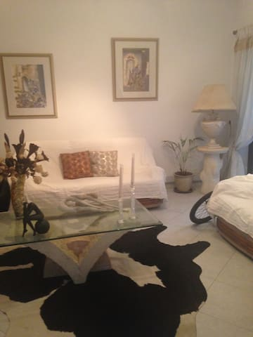 Accommodation  in a beautiful house - Pembroke - Haus