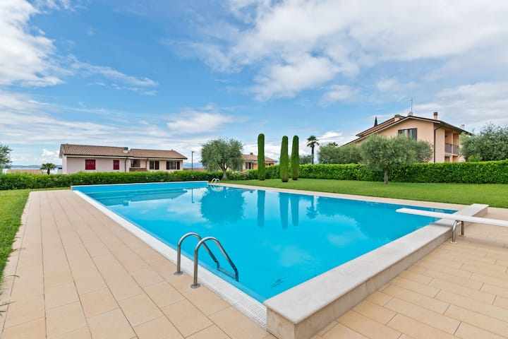 Welcoming Holiday Home in Lazise with Swimming Pool