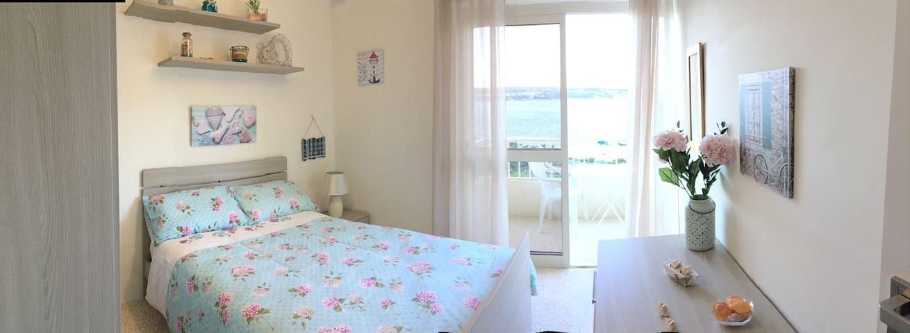 Seaview Apartment 5min walk away from Mellieha Bay