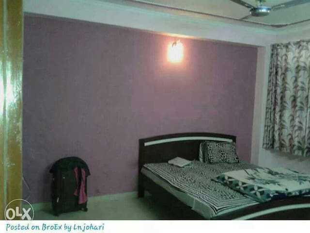 3 BHK FULLY FURNISHED FLAT FOR 6 GIRLS ONLY @3000