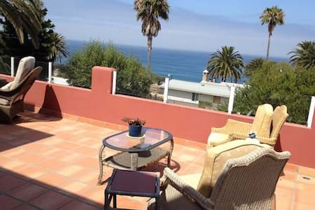 Fresh and airy ocean view for two! - La Mision