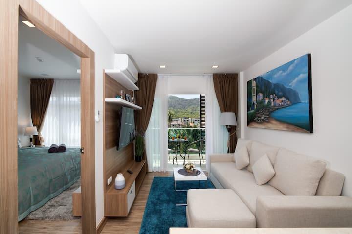 Elegant 1 Bedroom Apartment @Nai Harn, beach -900m