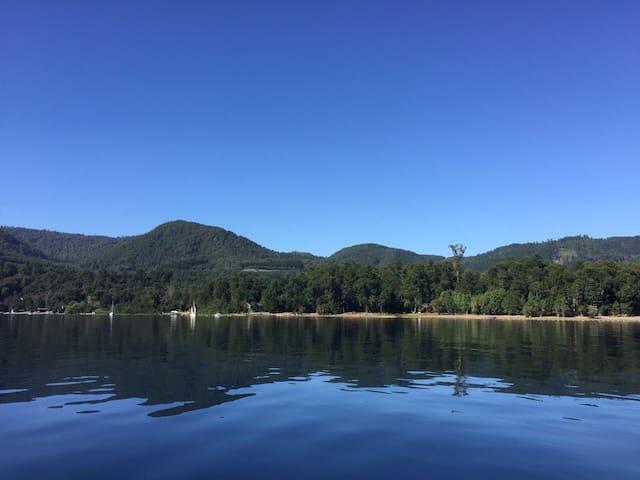 Casa orilla sur Lago Colico, sector La Esperanza