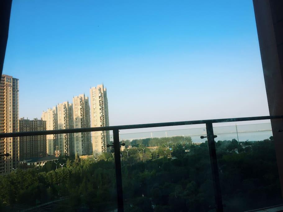 随时可以观钱塘江的露天阳台