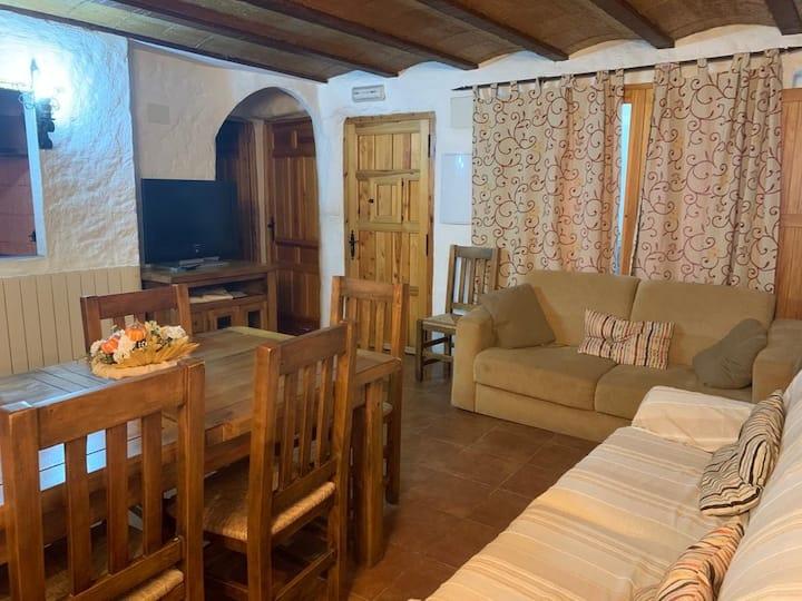Casa Rural 6-8 personas  montaña Jacuzzi, chimenea