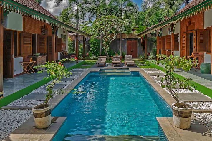 Private pool area of one of the two 3bed villas (multiply this by 2)