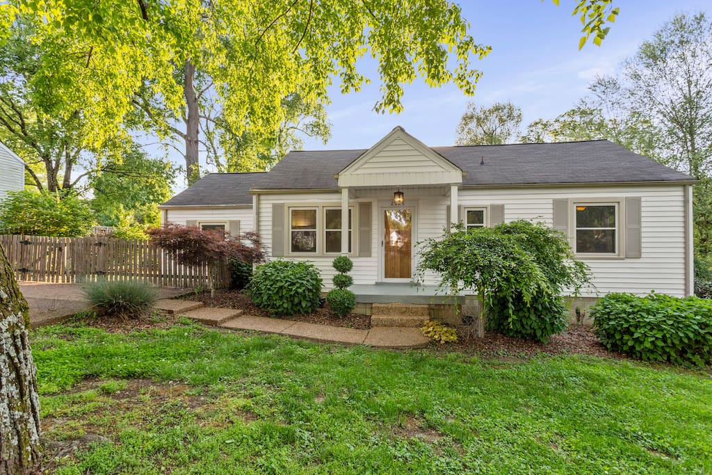 This 3BR Cottage is Adorable!