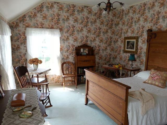 Antique Oak Furnishings