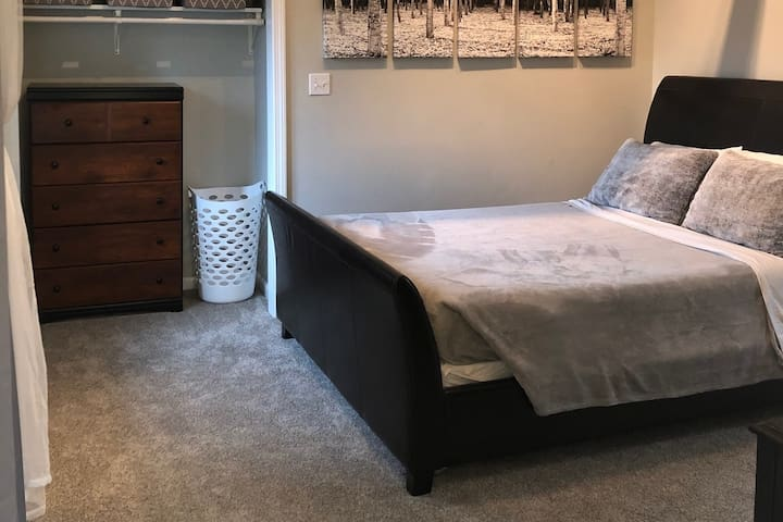 All The Comforts of Home (Handicapped Accessible)