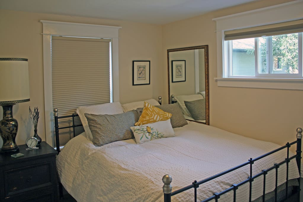 Private bedroom with a super comfy queen size bed. Small, but cozy!