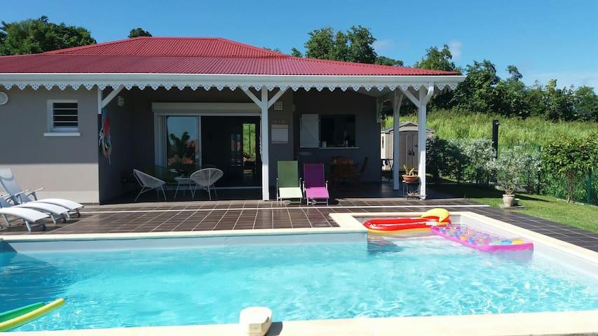 Chambre Magnifique dans villa neuve vue mer