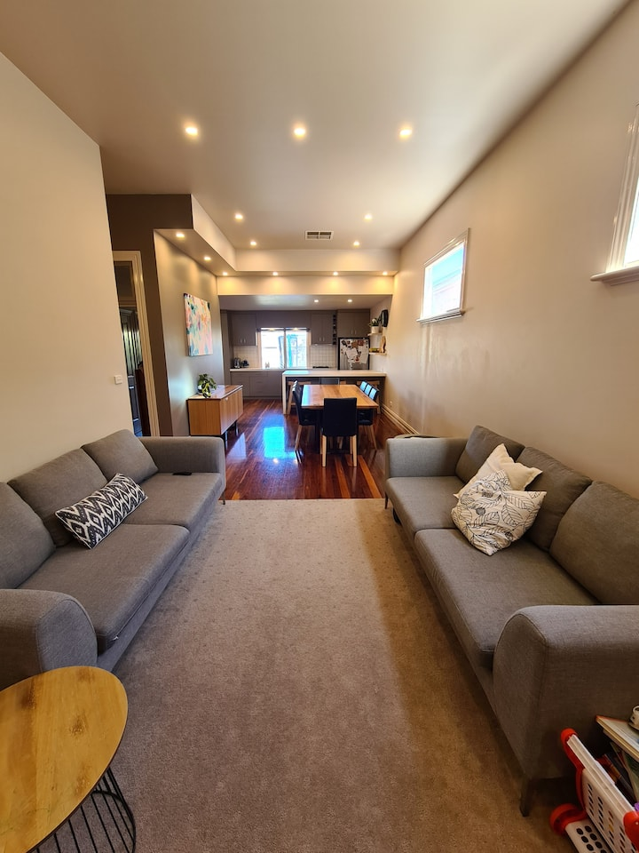 Urbane cool 3 bedroom Family Home in South Geelong