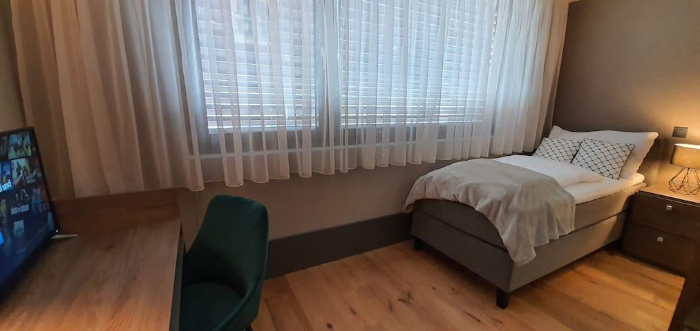 Privat Single Room  (202)