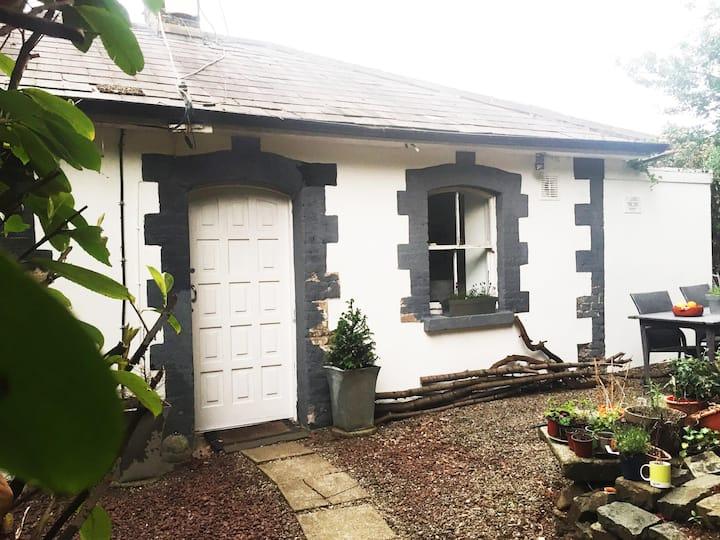 Dundrum- Summerville Cottage