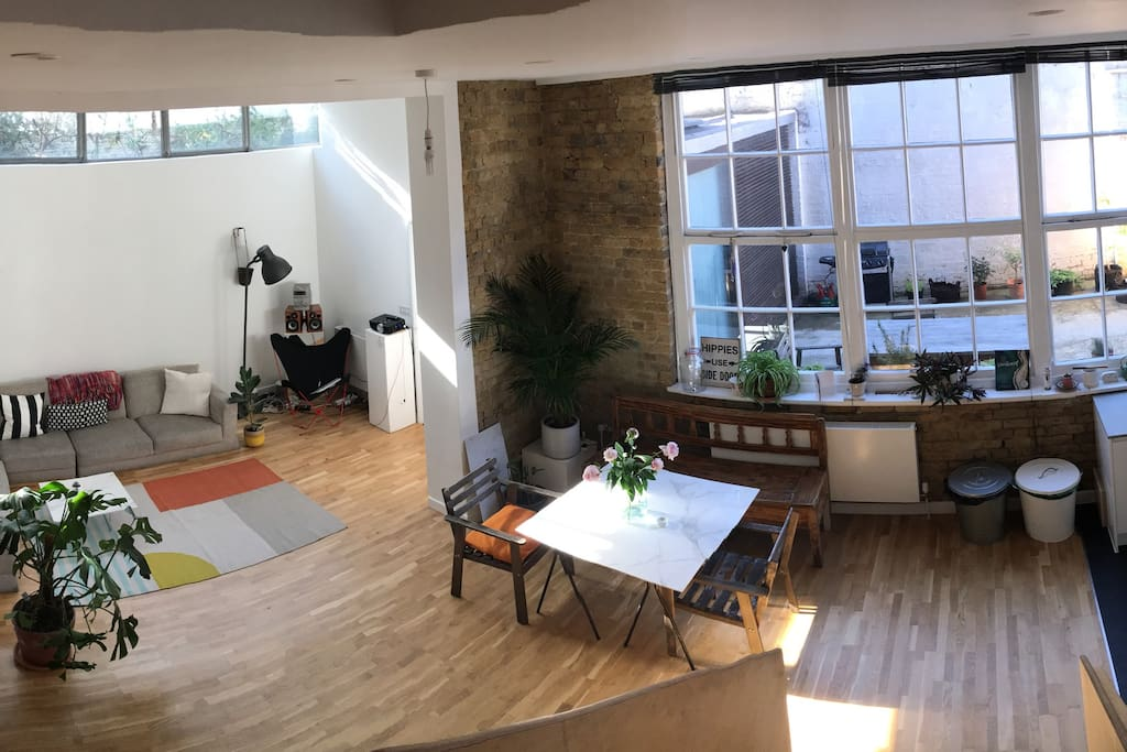 Shared living space - beautiful refurbished warehouse in east London