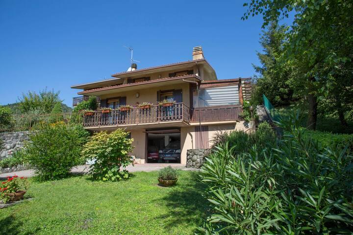 VILLA BEA INDIPENDENTE SUL LAGO D'ISEO - SOLTO COLLINA - Villa