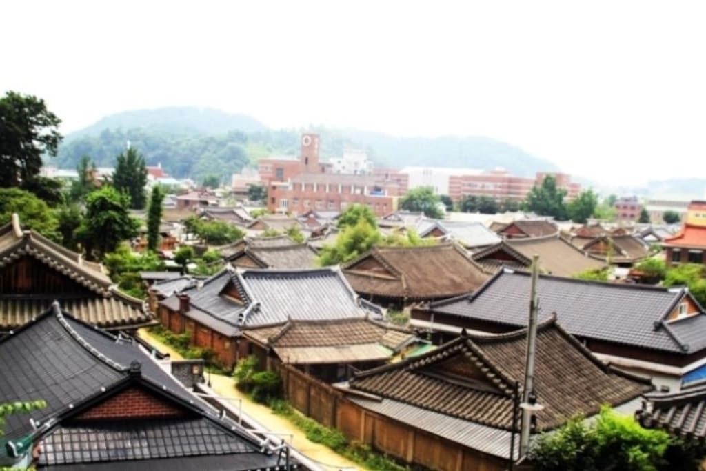 Overview of Jeonju Hanok Village (The traditional Korean Village)
