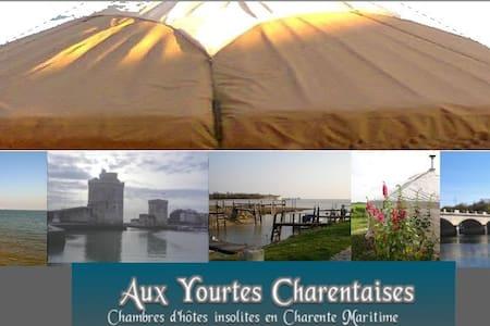 Nuit magique Yourtes Charentaises - Salignac-sur-Charente - Rundzelt