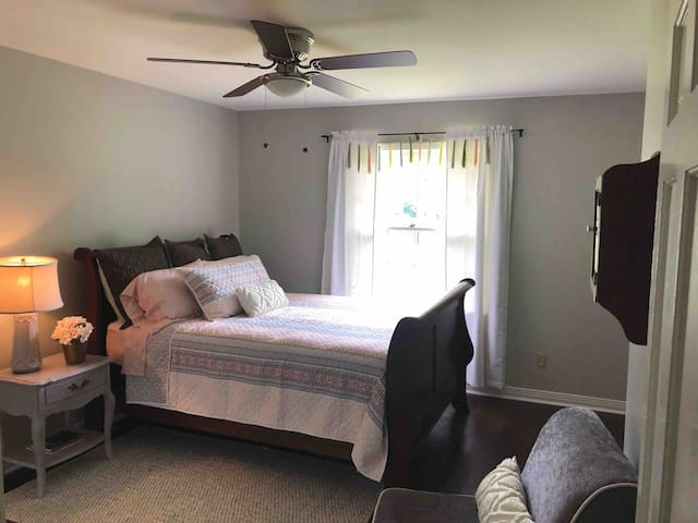 Second bedroom has a brand new queen size mattress as well as black out curtains.