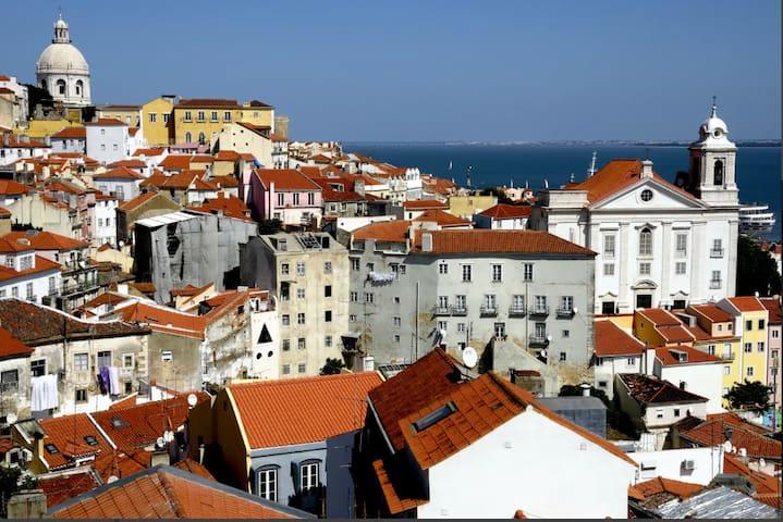 """Very Central- """"Lisboa Bela"""", Alfama - Lisboa"""