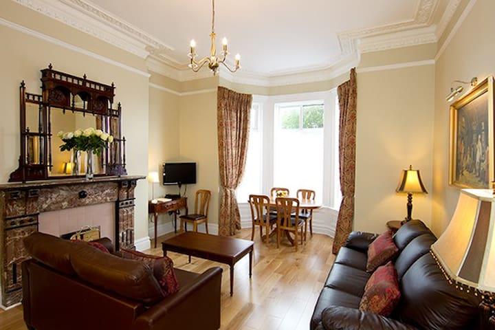 Stunning Victorian apartment slps 6 - James Joyce