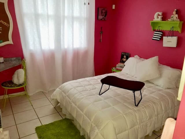 Bedroom - Full Size Bed