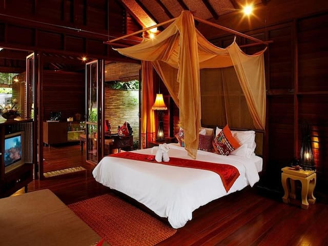 Incredible Tropical Villa on Phi Phi Island