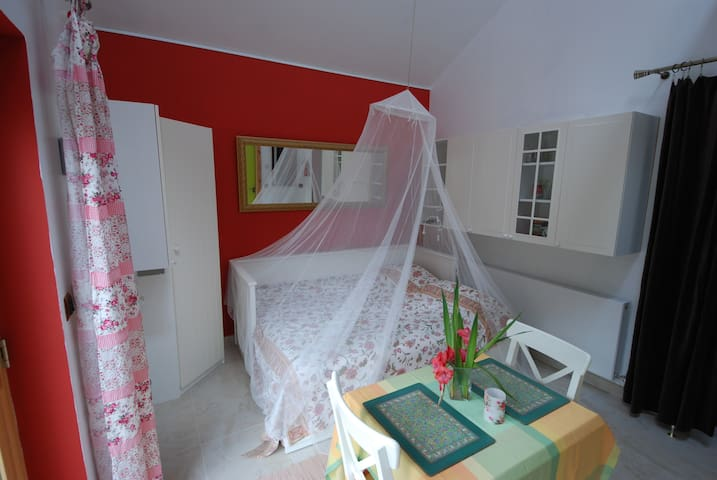 Bird Song Cottage - Whitegate - Inap sarapan