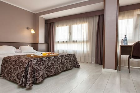 habitacion doble en hotel - Tarragona - Bed & Breakfast