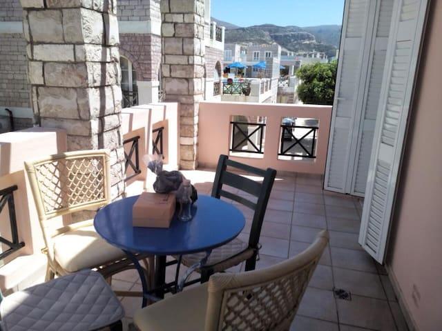 Syrah Room in Dionysos Village in Crete - sitia  - บ้าน