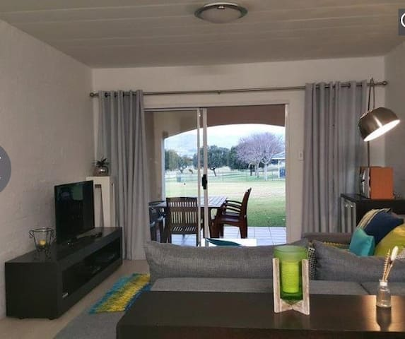 Prestigious apartment with a view - Hartbeespoort - Byt