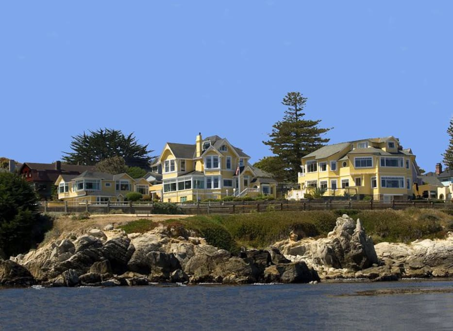 Oceanfront Seven Gables Inn includes generous continental breakfast and wine and cheese from 4-6pm.