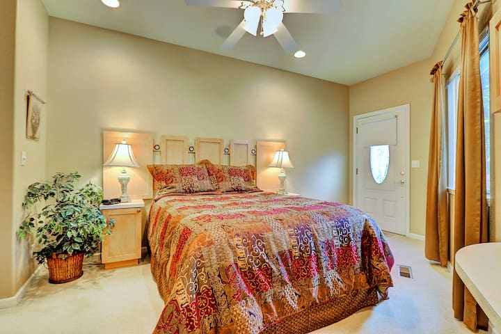 """A guest from Kentucky said, """"The home was immaculate."""" Wonderful beds!"""