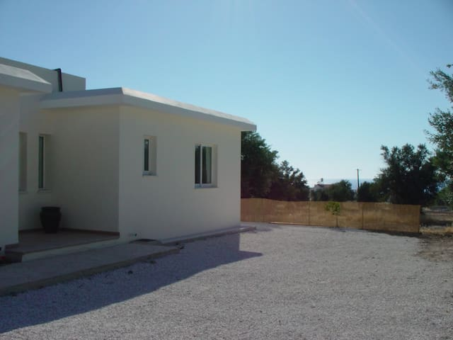Villa Rosa, Argaka near Polis, own pool, sea views - Argaka - Villa