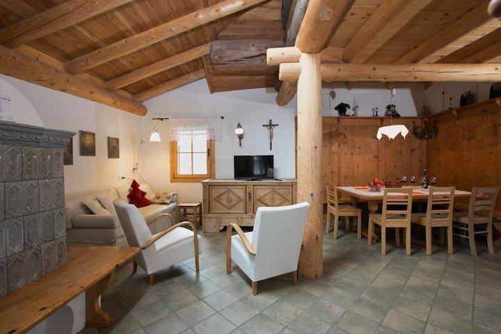 Märchenhaftes Cottage in Bellamonte (Italien) mit Whirlpool